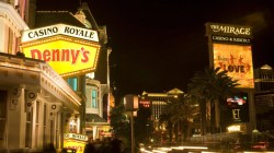 Fetching Pancake Lovers Can Get Married At Vegas On Day Pancake Lovers Can Get Married At Vegas On Denny S Las Vegas Strip Wedding Chapel Dennys Las Vegas Locations