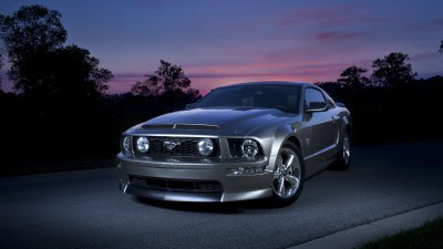 Your ridiculously cool Ford Mustang wallpaper is here