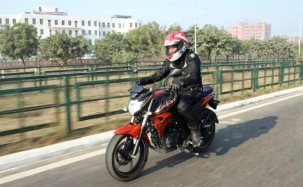 Honda CB Hornet 160R vs Suzuki Gixxer vs Yamaha FZ-S FI V2.0: Comparison Review 2016