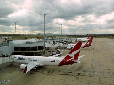 Qantas flights guide on earning points & status credits here