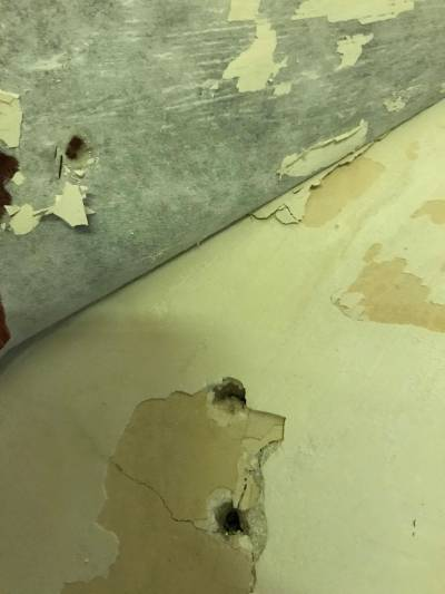 bathroom - Help removing wallpaper and painting on old plaster walls - Home Improvement Stack ...