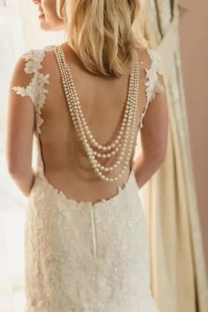 pearls that strands back