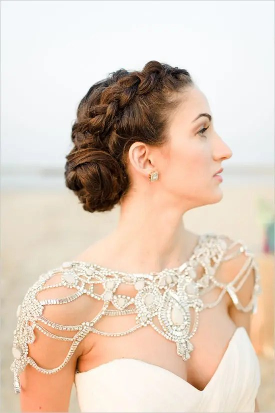 a statement shoulder jewelry piece will definitely make you stand out, even if your dress is simple