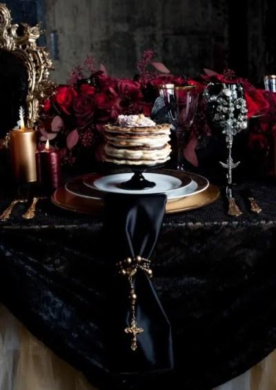 gothic wedding theme Archives - Weddingomania