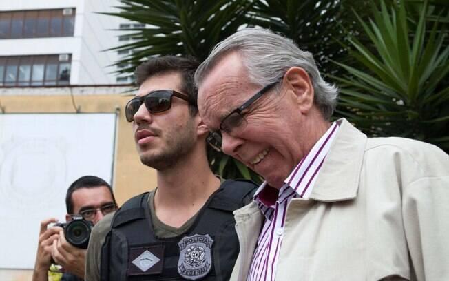 Suspeito de ligação com Alberto Yousseff, Adarico Negromonte é preso pela PF, em novembro.