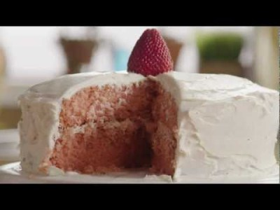Easy Cake Decorating Ideas and Tips with Betty Crocker - Cakes Video