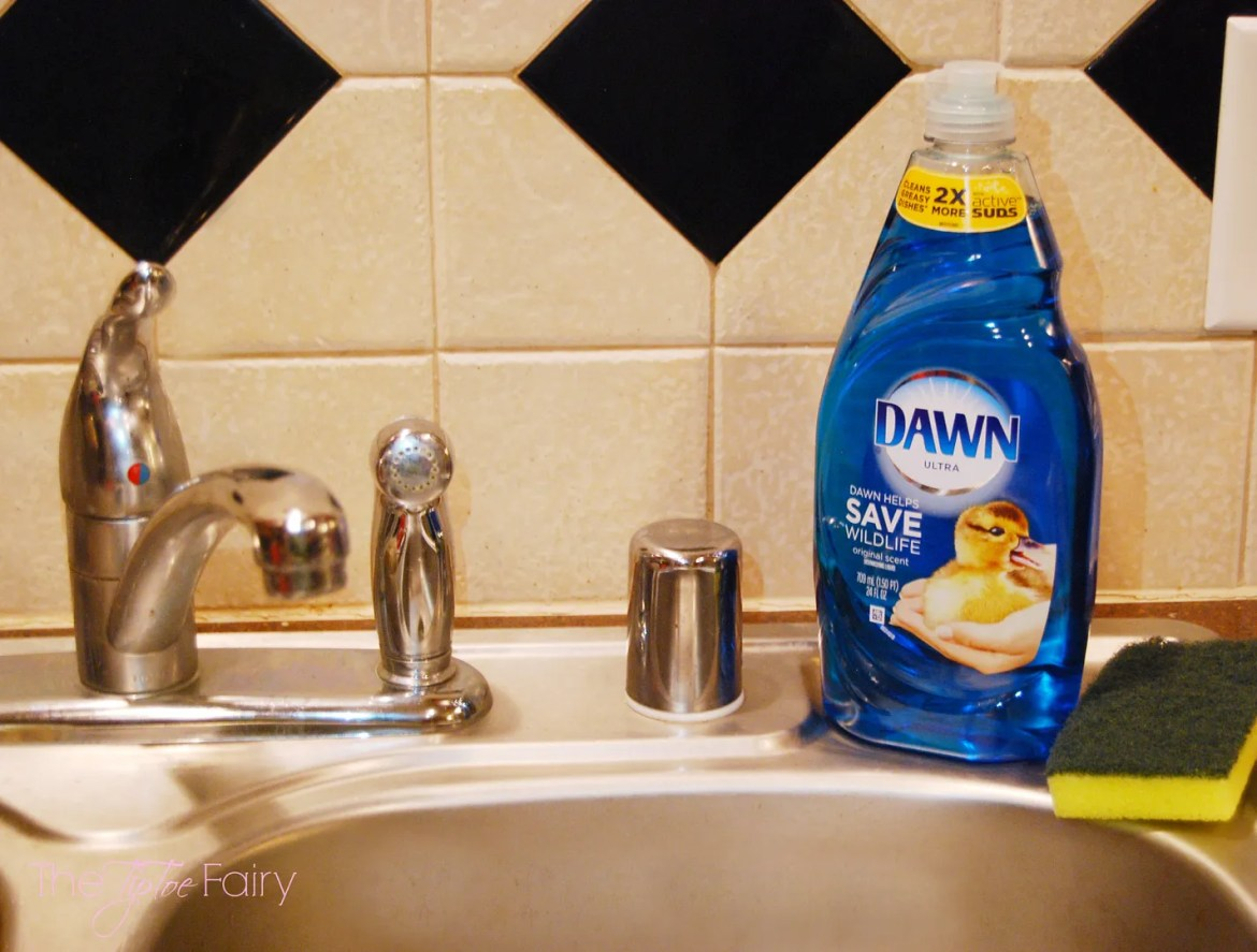 There's more to Dawn than just dirty dishes!  Check out these kitchen tips! #DawnBeyondtheSink
