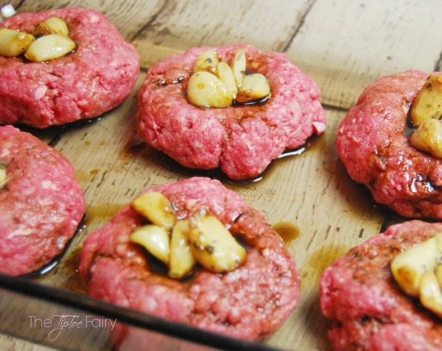 Cheddar Garlic Meatball Sliders | The TipToe Fairy