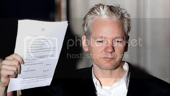 photo JulianAssange_zpse746b8ba.png