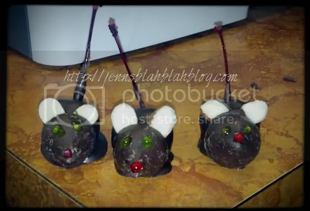 2012 12 26 08 45 04 160 zpsd048000e Cute Chocolate Covered Cherry Mice Recipe