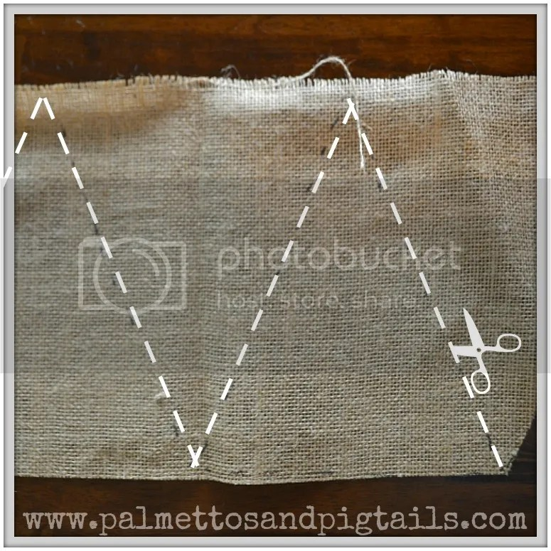 DIY Burlap Bunting Tutorial-quick and easy, made in 10 minutes!