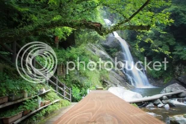 photo Mikaeri-waterfall-8.jpg