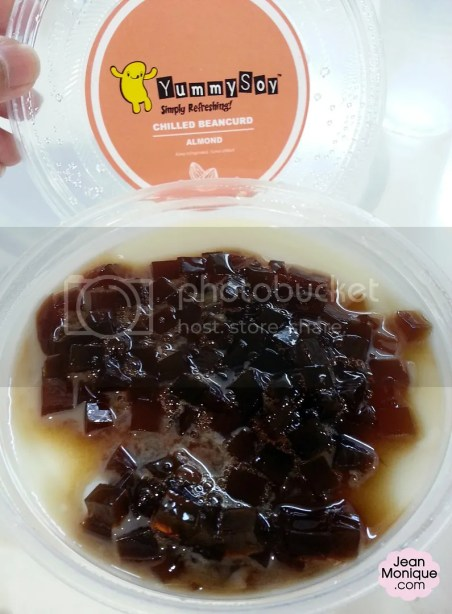 Almond Flavored Chilled Beancurd with Coffee Jelly