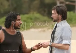Daniel offers to help Sayid ferry people to the freighter.