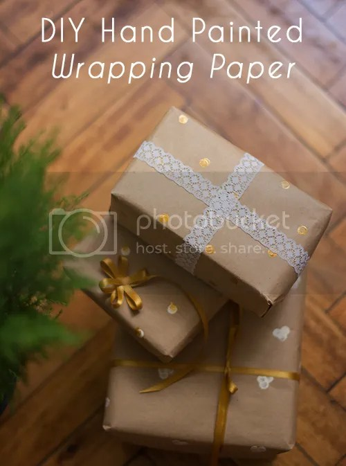 This wrapping paper won't take more than 30 minutes to make and it will add a 'made with love' feeling to your presents.