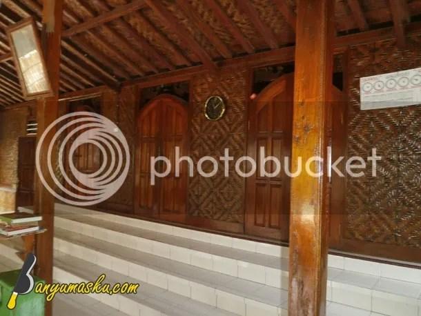 Eksterior Masjid Saka Tunggal
