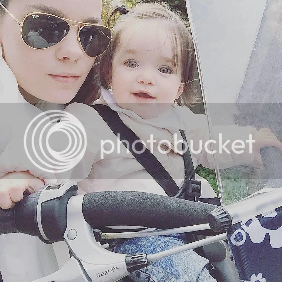 Voor het eerst op de fiets, lief klein geluk, mama fiets, mamafiets, fietsen met een kleintje,