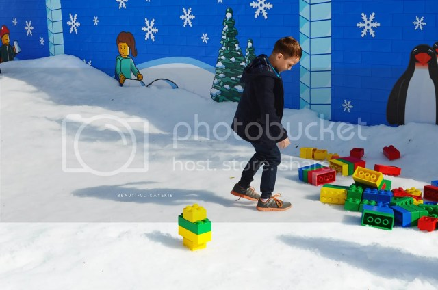 Playing with lego in the snow at Legoland