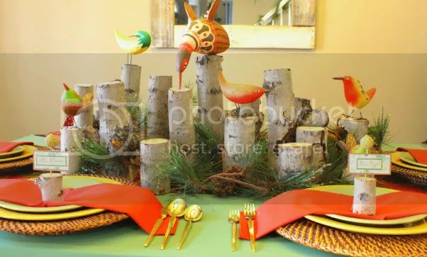 Christmas bird and wood tablescape, christmas funky table