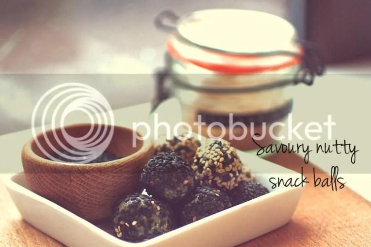 Savoury energy balls. Protein. Spirulina. Superfoods. Dairy- and gluten-free
