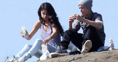 Justin Bieber and Selena Gomez on romantic picnic date in the park - Mirror Online