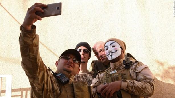 http://i2.wp.com/i2.cdn.turner.com/cnnnext/dam/assets/150217173143-18-selfies-0218-restricted-super-169.jpeg?resize=615%2C346