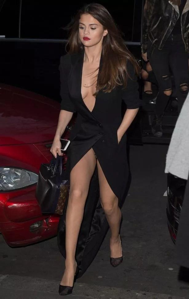 Selena Gomez leaves her Paris hotel