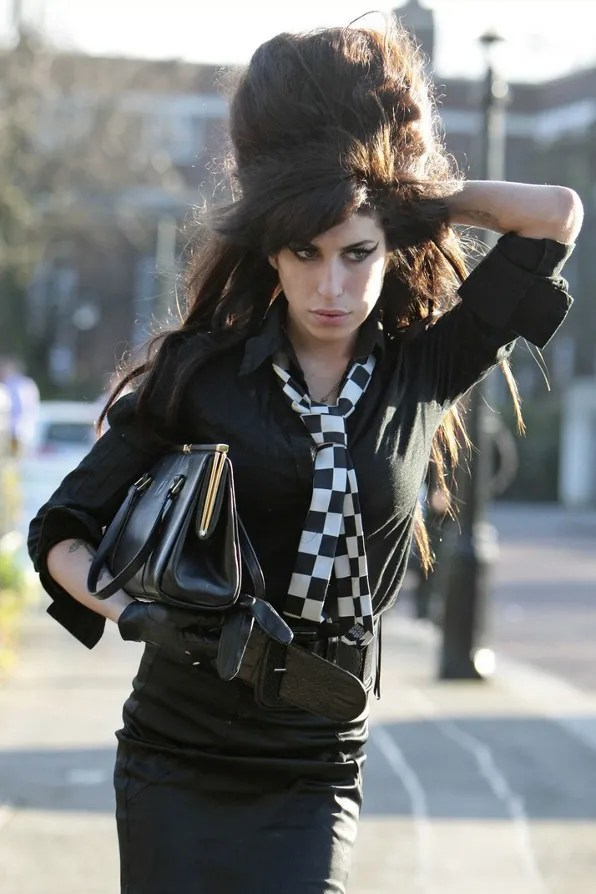 Amy Winehouse Dead from Drug Overdose