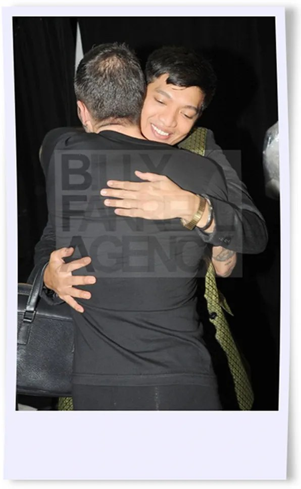 Bryanboy hugging Marc Jacobs at the spring summer 2012 Marc Jacobs fashion show.
