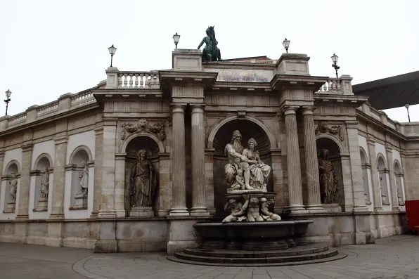 Statues and fountains, Vienna