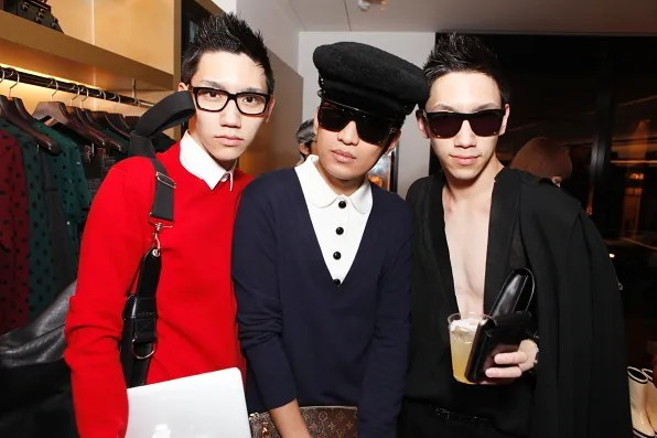 Bryanboy posing with his Japanese fans inside the Marc Jacobs store Tokyo