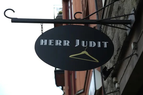 Herr Judit signage