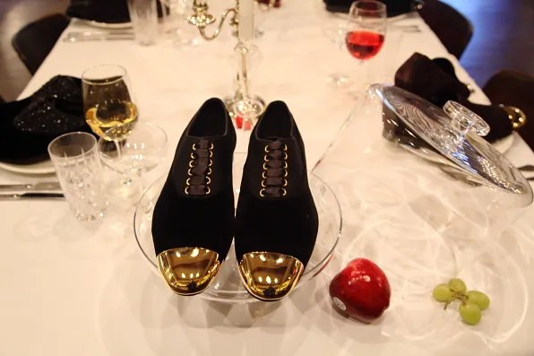 Louis Leeman Paris shoes fall winter 2012 black velvet lace up shoe with gold cap toe