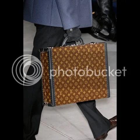 Louis Vuitton Men's Fall/Winter 2009-10 Show: Bags