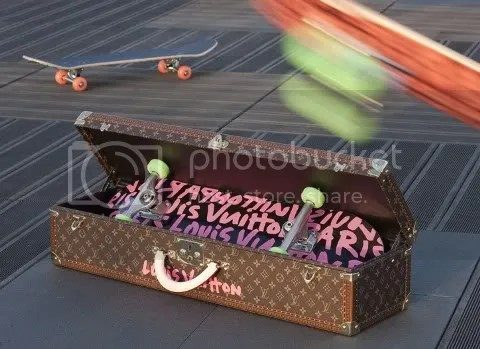 Louis Vuitton Graffiti Skateboard