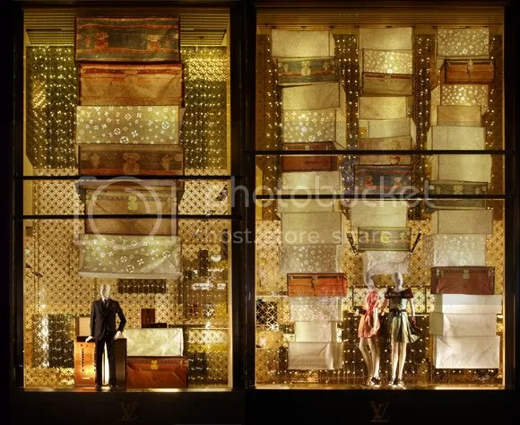 Louis Vuitton & Diwali Window Display at Louis Vuitton Champs-Elysées