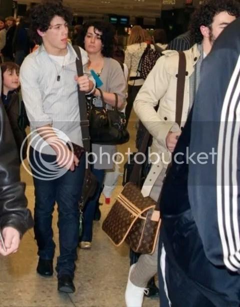 Jonas Brothers loves Louis Vuitton