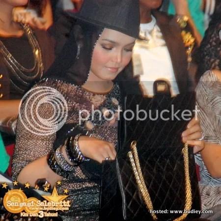 siti nurhaliza shout awards 2010