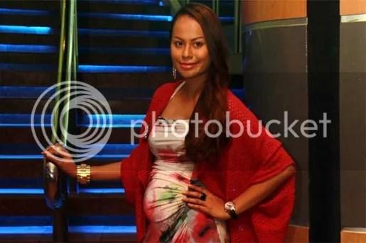 rebecca nur islam hamil 5 bulan