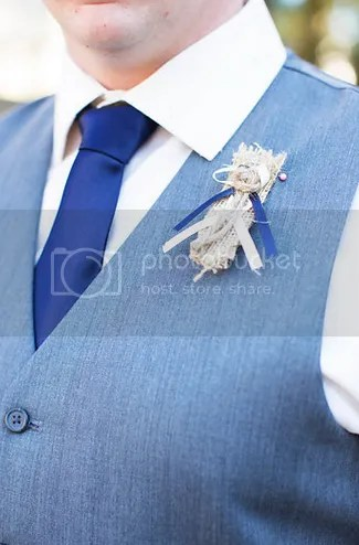 Groomsmen's Boutonniere For A Coastal Wedding || The Salt Water Blog