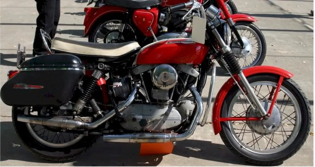 Ironhead 1965 XLCH Only Model Specific HELP !   The Sportster and