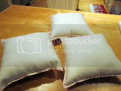 how to make Christmas pillows yourself