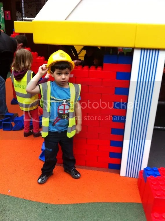 building site play at the look out bracknell