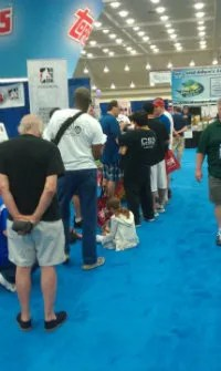 Line at Topps Booth NSCC