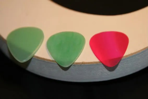 make your own guitar picks,pick punch,guitar picks,plectrums,homemade,gel picks,do it yourself