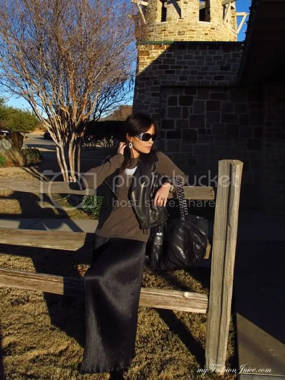 Maxi Sweater6 {Weekly Wear} Pleated Maxi & Sweater Combo