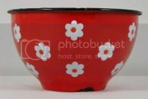 vintage red daisy patterned enamel bowl