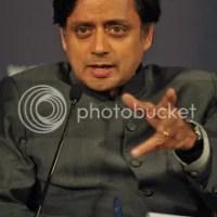 Shashi Tharoor : Sari fate ?