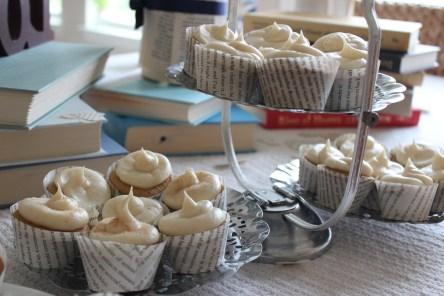 mini book cupcakes