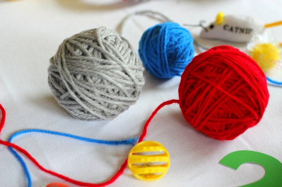 kitten-party-yarn-balls